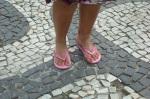 Os pés da nova garota de Ipanema...